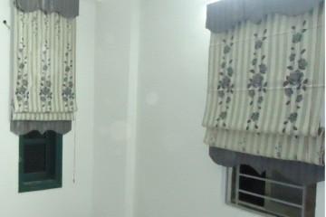 Điểm khác nhau giữa rèm roman xếp lớp và rèm cuốn